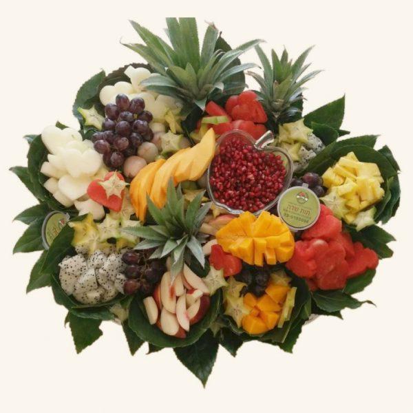 סלסלת פירות חתוכים